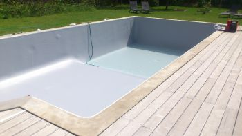 Rev tement d 39 tanch it piscine pose de liner pvc arm for Piscine le pontet